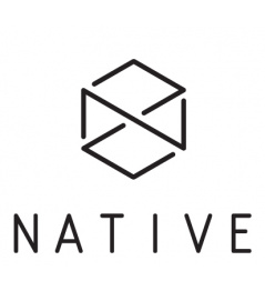 Biała naklejka Native Logo