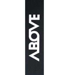 Griptape nad dużym logo w kolorze czarnym